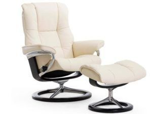 Ekornes Stressless Mayfair Recliner & Ottoman (Signature)