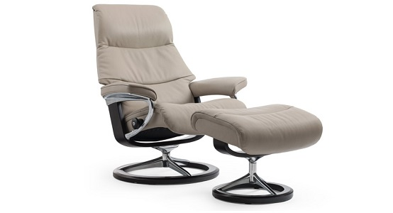 Ekornes Stressless View Recliner & Ottoman (Signature)