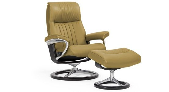 Ekornes Stressless Crown Recliner & Ottoman (Signature)