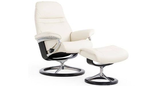 Ekornes Stressless Sunrise Recliner & Ottoman (Signature)